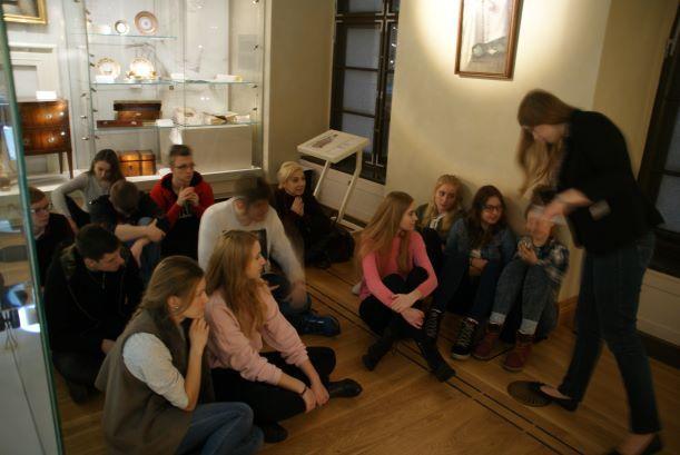 Świebodzice: Uczniowie LO w Świebodzicach w Muzeum Pana Tadeusza we Wrocławiu