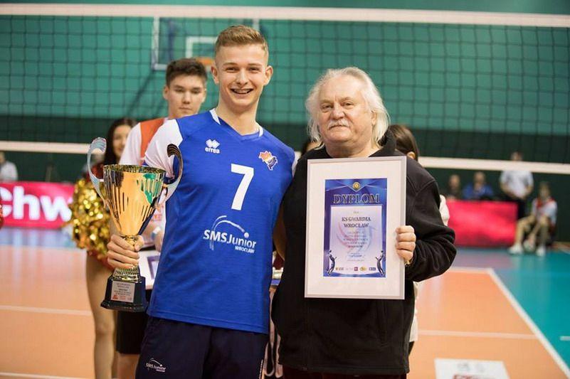 Strzegom: Sukces siatkarza Przemysława Sypko
