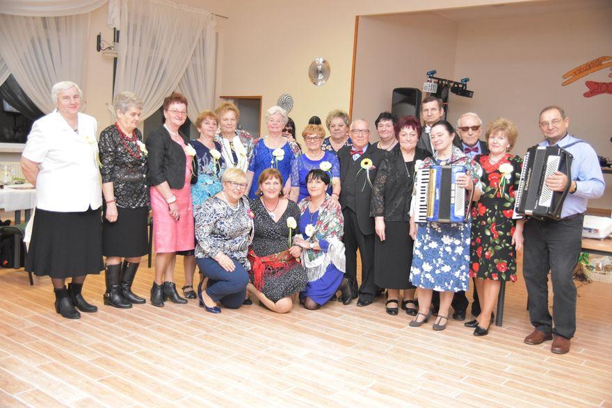 Lutomia: 10–lecie klubu miłośników tradycji wiejskiej w Lutomii