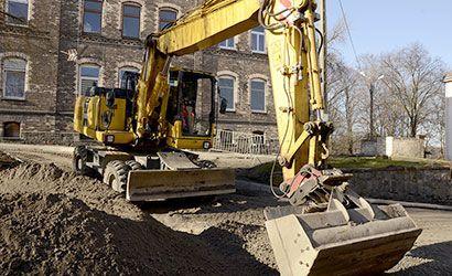 Żarów: Trwają prace drogowe na ulicach Zamkowej i Sportowej
