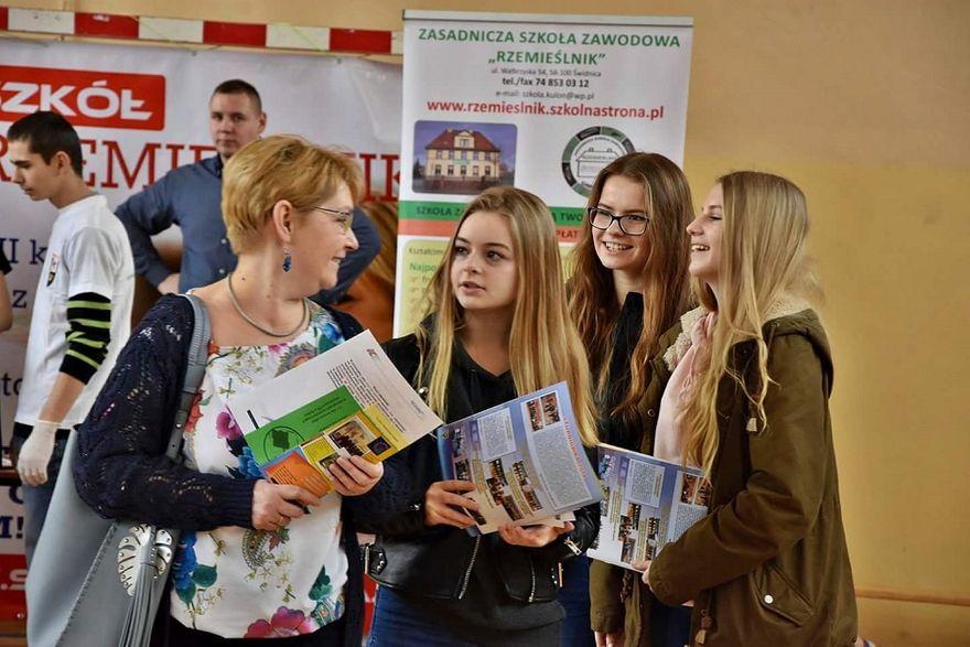 Lutomia Dolna: Zapraszamy na giełdę edukacyjną do Lutomi Dolnej