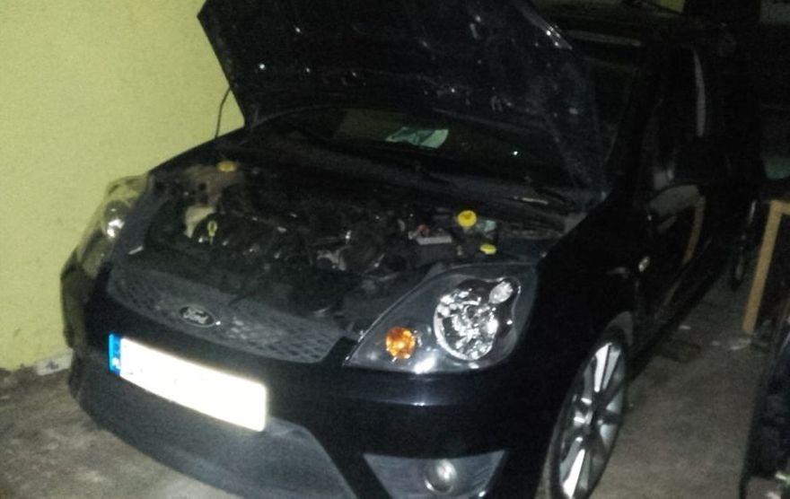 Świebodzice: Policjanci odzyskali skradziony samochód i przyczepę samochodową