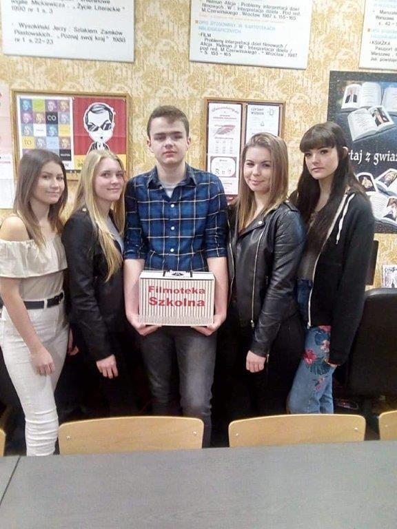Świdnica: Sukces uczniów III LO w Świdnicy w Ogólnopolskim Wirtualnym Festiwalu Filmoteki Szkolnej