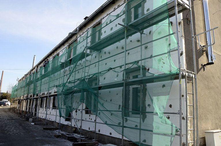 Żarów: Trwa rewitalizacja budynków na terenie miasta Żarów