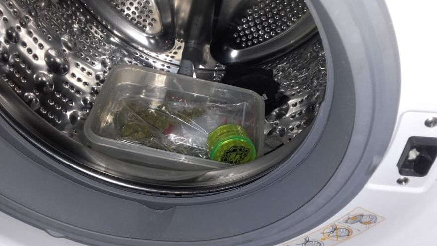 Świebodzice: Marihuanę trzymał w pralce