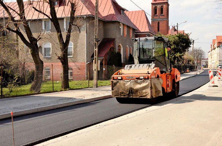 Żarów: Kolejny etap prac drogowych przy ul. Mickiewicza w Żarowie