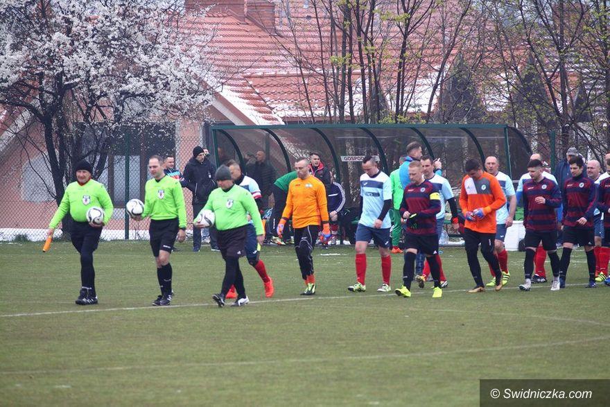 REGION: Piłkarska klasa B (grupa I): Lider z Mrowin powstrzymany