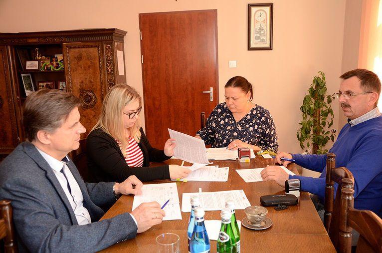 Żarów: Rewitalizacja ulicy Zamkowej i Sportowej w Żarowie