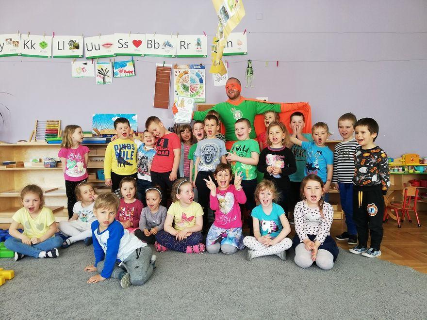 Świdnica: Pan Błyszczak odwiedził świdnickie przedszkolaki