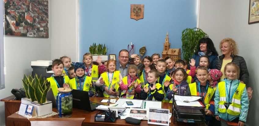 Świebodzice: Przedszkolaki z wizytą u burmistrza