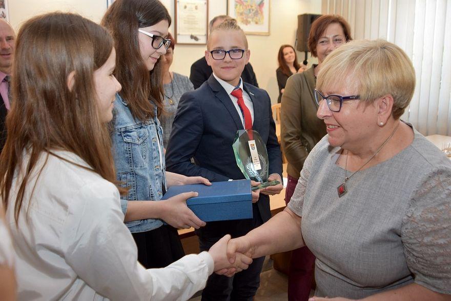 Mokrzeszów: Laury dla uczniów z Mokrzeszowa