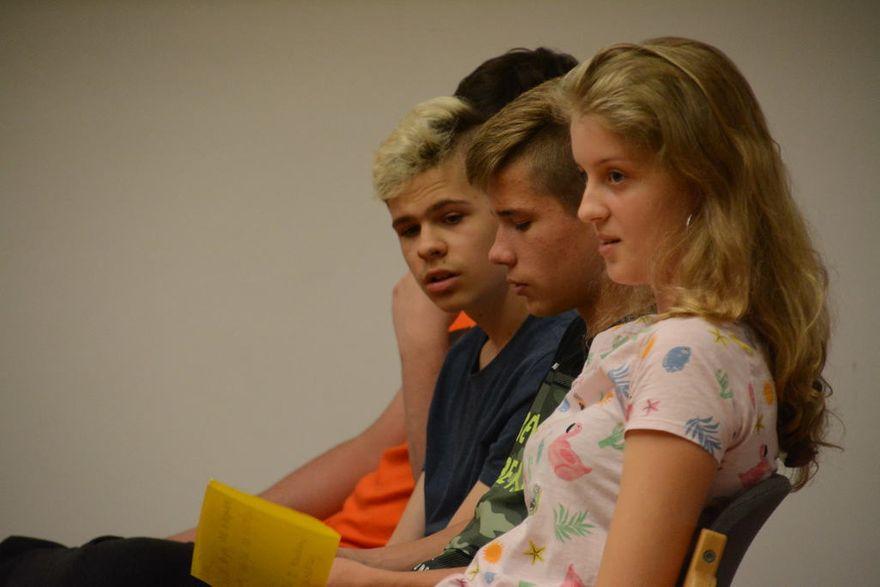 Krzyżowa: Skomplikowane losy polskich rodzin oczami młodzieży polonijnej z Białorusi i uczniów z Dzierżoniowa
