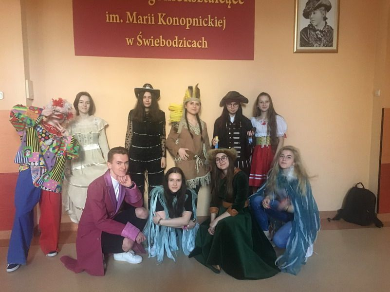 Świebodzice: Teatralna wiosna w świebodzickim LO