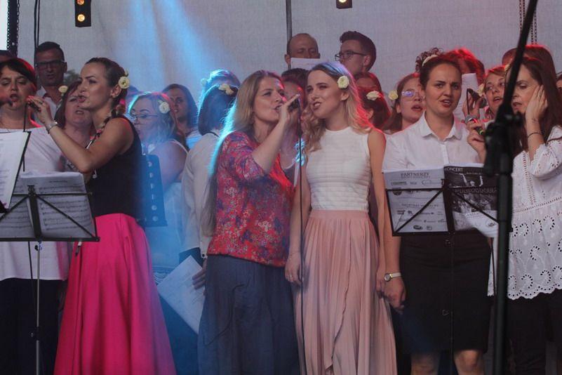 """Strzegom: Koncert """"Rozpalić Serca"""""""