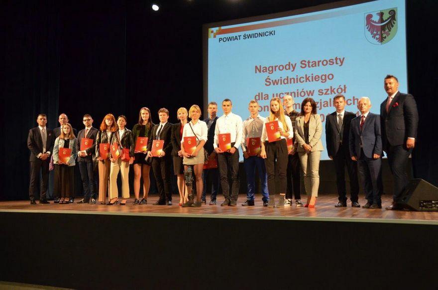 Świdnica/powiat świdnicki: Nagrodzeni uczniowie