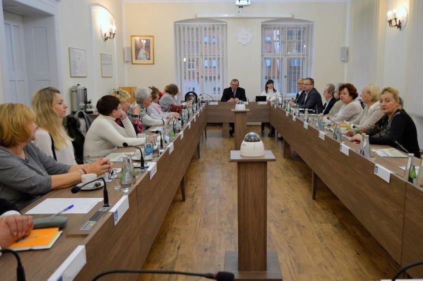 Świebodzice: Rada seniorów