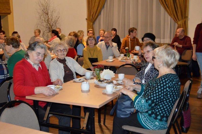 Świebodzice: Dla babć i dziadków