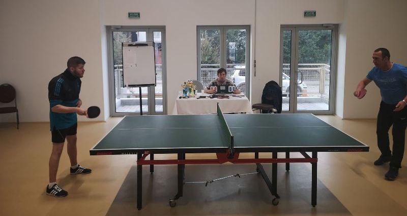 Jaroszów: Popularny pingpong