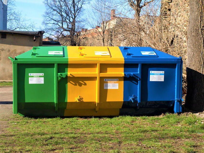 Świebodzice: Pojemniki na odpady
