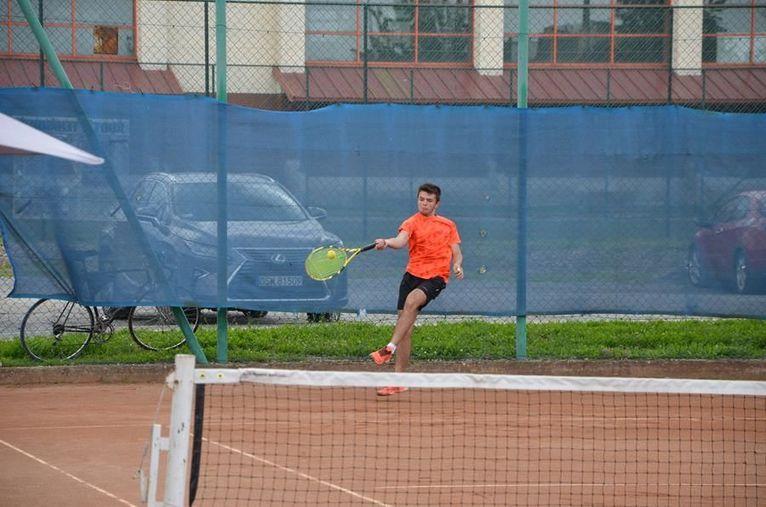 Żarów: Darmowy tenis