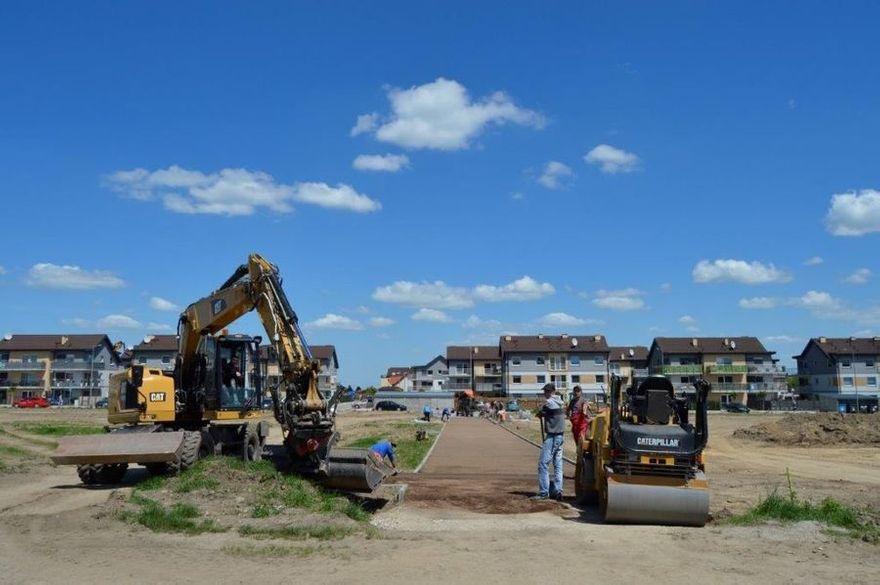 Świebodzice: Budują park sportowy