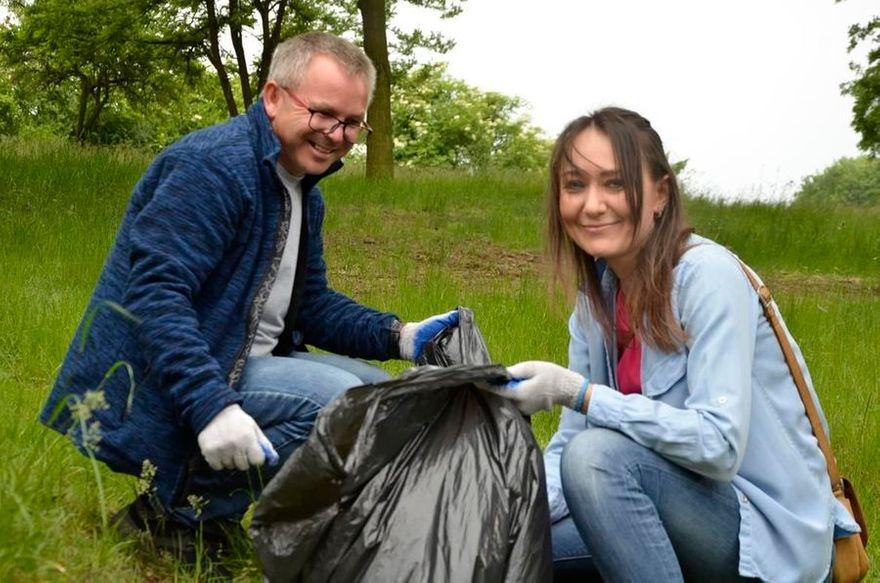 Żarów: Posprzątali park