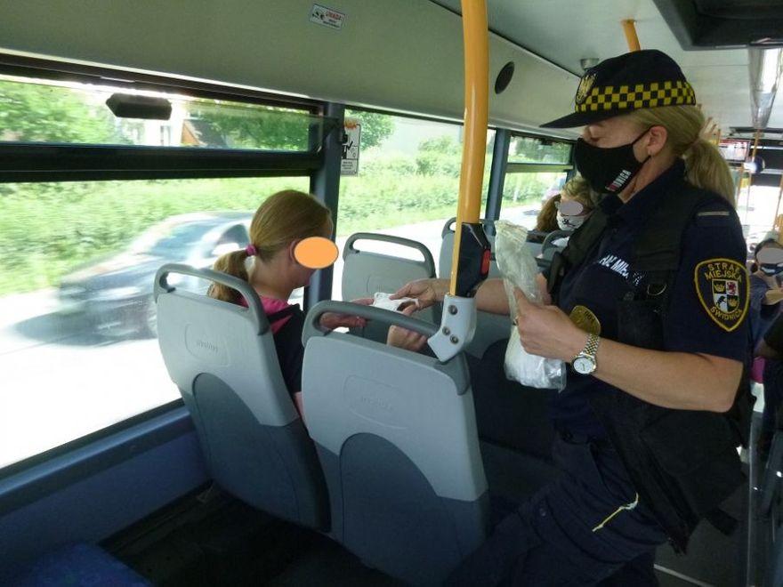 Świdnica: Kontrolują autobusy