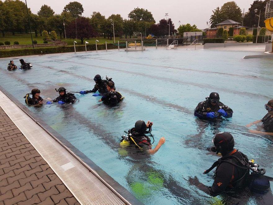 Strzegom: Uczniowie nurkowali