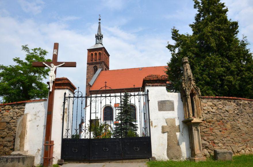 Śmiałowice: Odnowią kościół