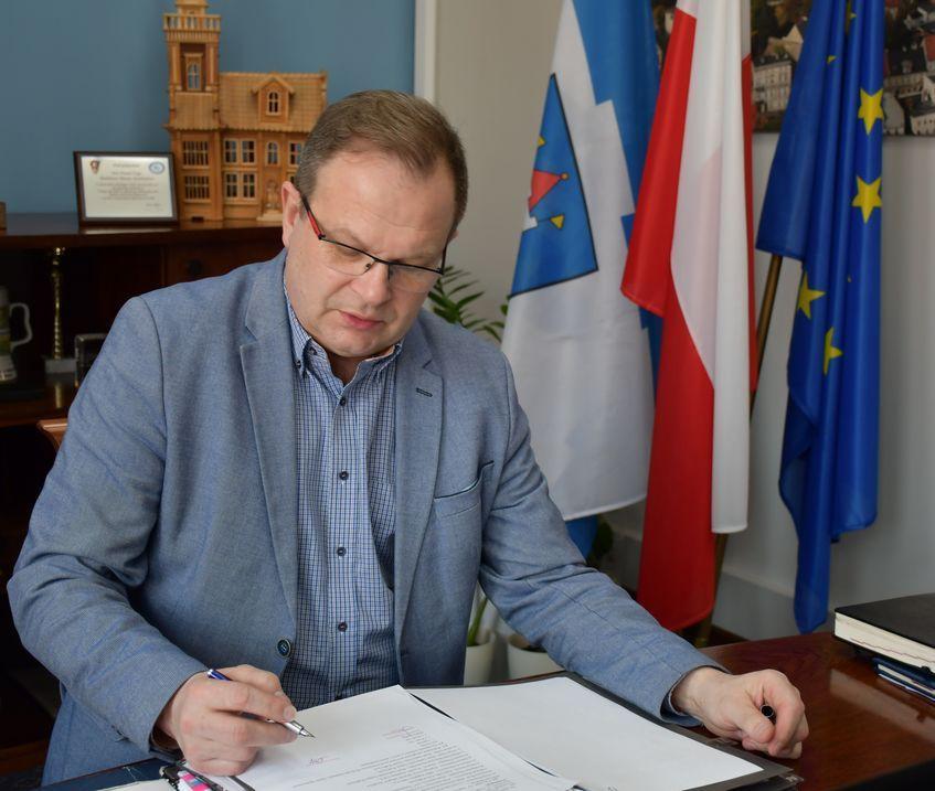 Świebodzice: Burmistrz o działaniach opozycji