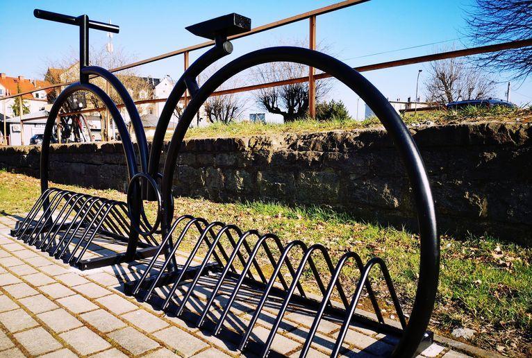 Żarów: Stojaki na rowery
