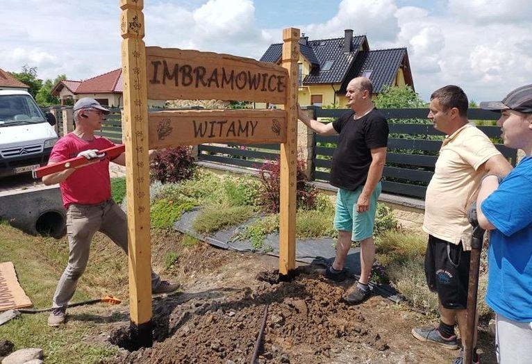 Gmina Żarów: Nowe witacze