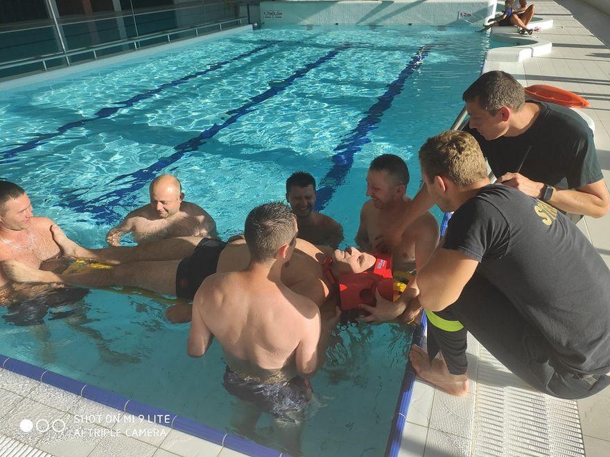Witoszów Dolny: Ćwiczyli na basenie