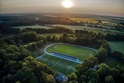 Żarów: Stadion otwarty