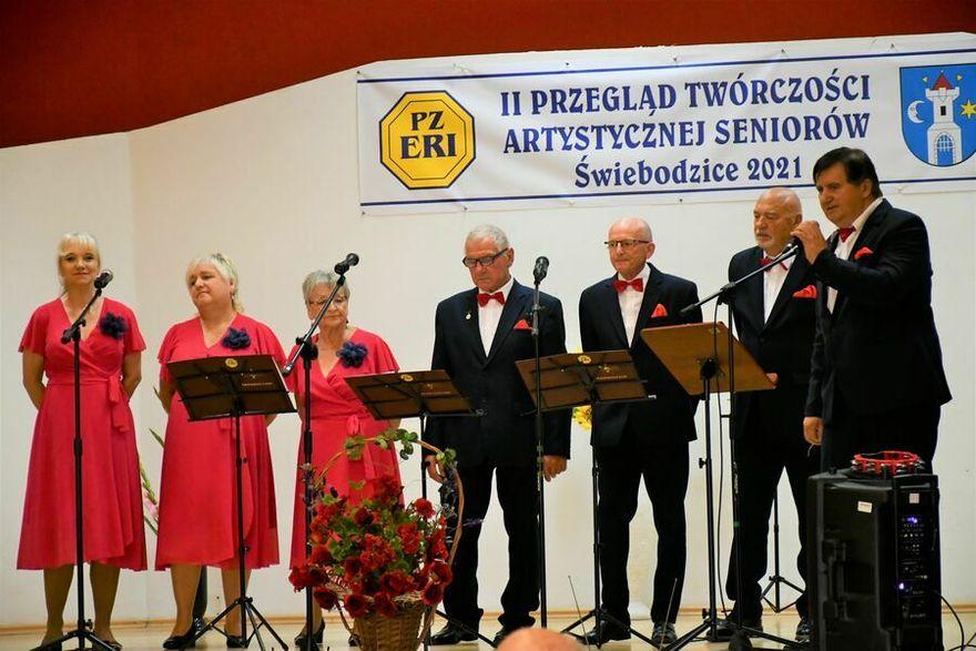 Świebodzice: Seniorzy z artystyczną duszą