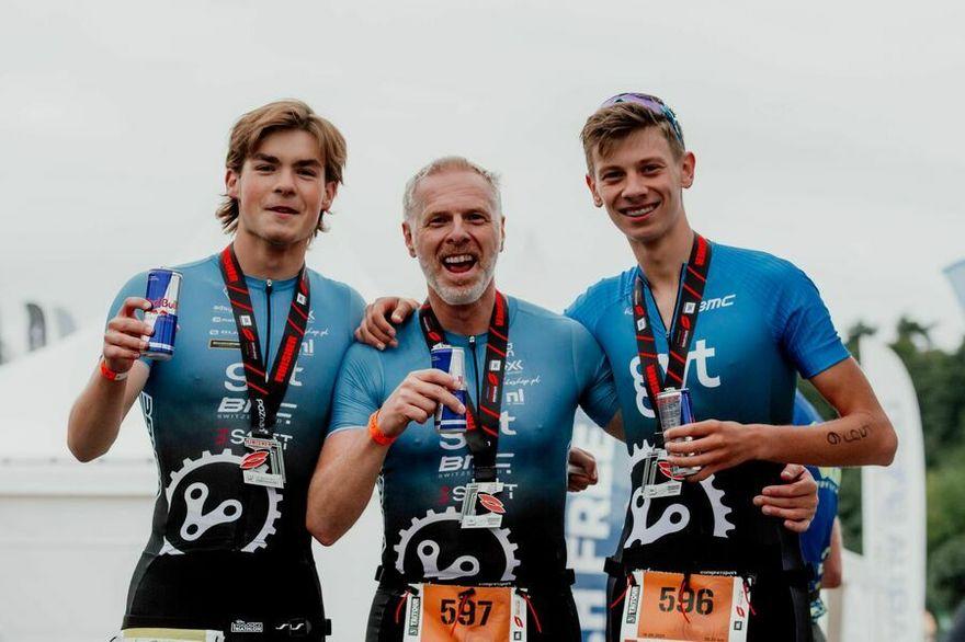 Świebodzice: Cztery medale triathlonistów